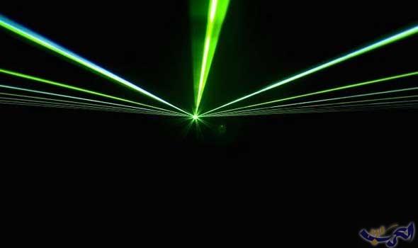 فيزيائيون يبطئون الإلكترونات عالية السرعة باستخدام شعاع الليزر