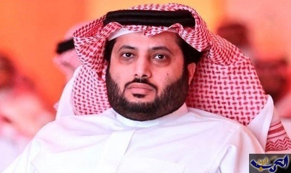 تركي آل الشيخ يعلق على احتراق محرك طائرة المنتخب السعودي