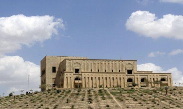 القصر الرئاسي في محافظة بابل جنوب بغداد (غيتي)