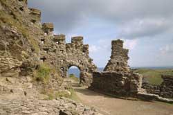 close-up-tintagel-castle-email-k980782.jpg