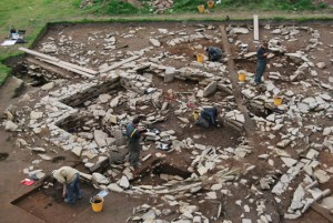 Excavation-of-structure-1-small.jpg