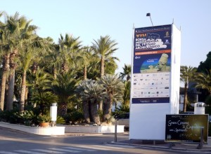 Borsa-Entrance-927-580x426.jpg