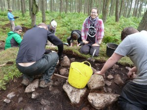Learning to dig with Rampart Scotland. (Photo: M Cook).