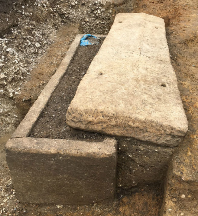 Roman sarcophagus found in Southwark