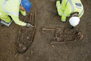 A-set-of-unusual-Roman-burials-being-carefully-excvated-by-archaeologists-(c)-Highways-England,-courtesy-of-MOLA-Headland-Infrastructure