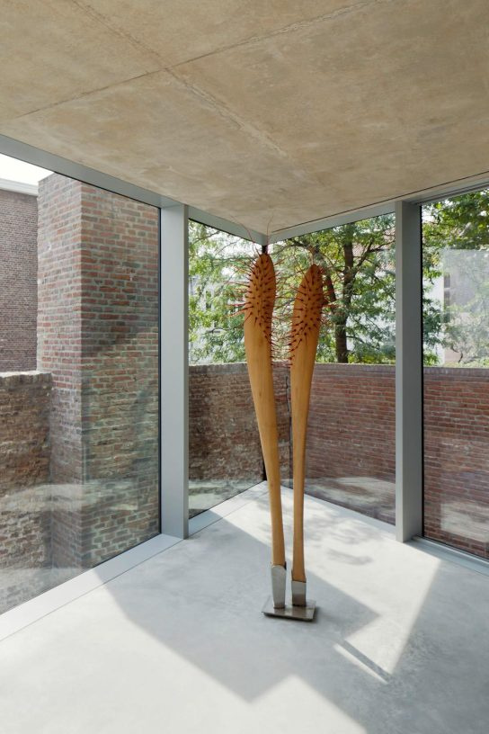 Wiel Arets . v house . maastricht (16)