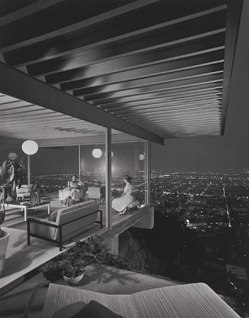 Case Study House #22, 1960 Los Angeles, CA / Pierre Koenig, architect   © Julius Schulman