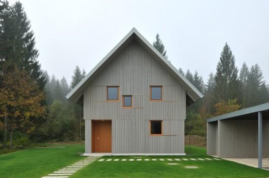 House R / Bevk Perović arhitekti © Miran Kambič