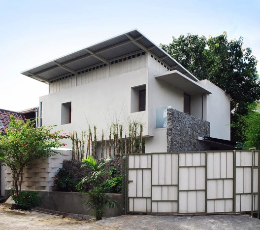 Catch The View House / Atelier Riri