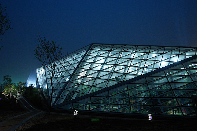 greenhouse-night1 Plasma Studio and Huashang Newspaper