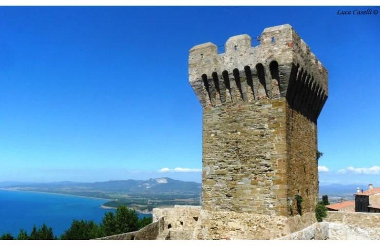 Panoramix, Torre medievale di Populonia