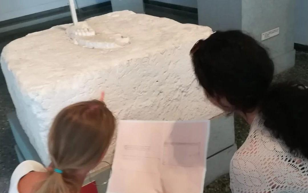 Un coro di voci: l'epigrafia greca in classe fa amare il greco antico