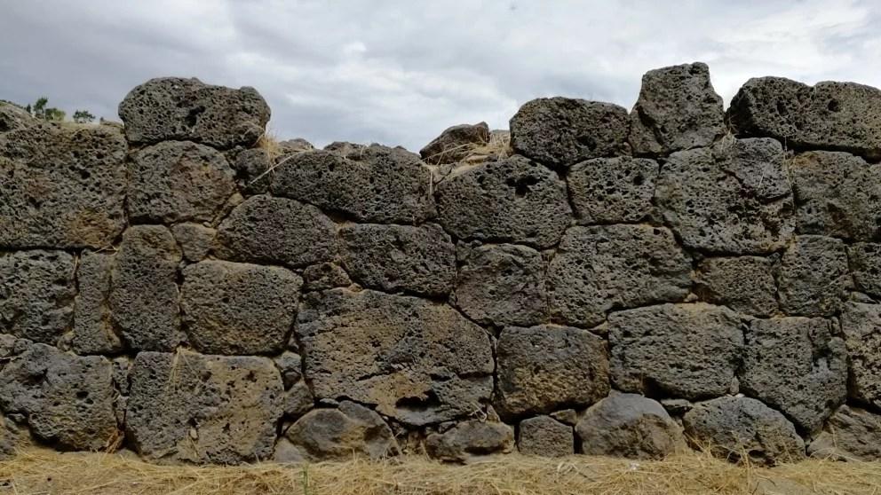 Mura santuario Naxos