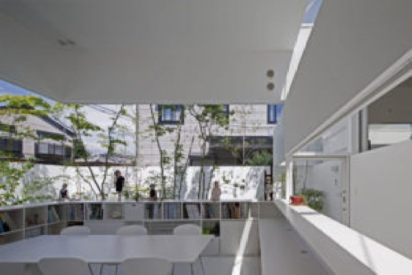 Atelier-Bisque Doll / UID Architects