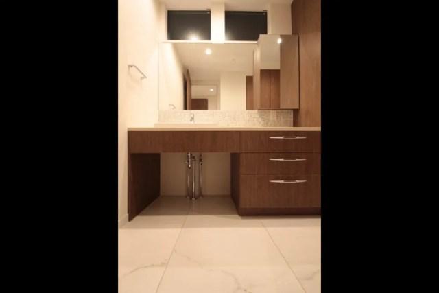世田谷区注文住宅:TI邸の洗面化粧台の画像