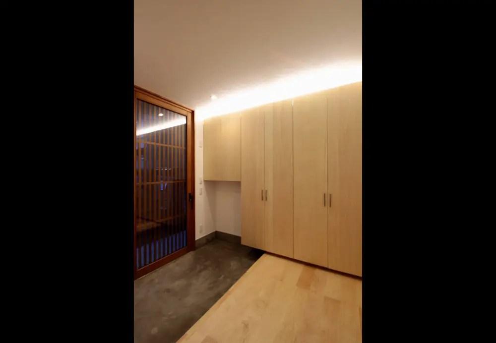三鷹市注文住宅:YM邸の玄関収納画像