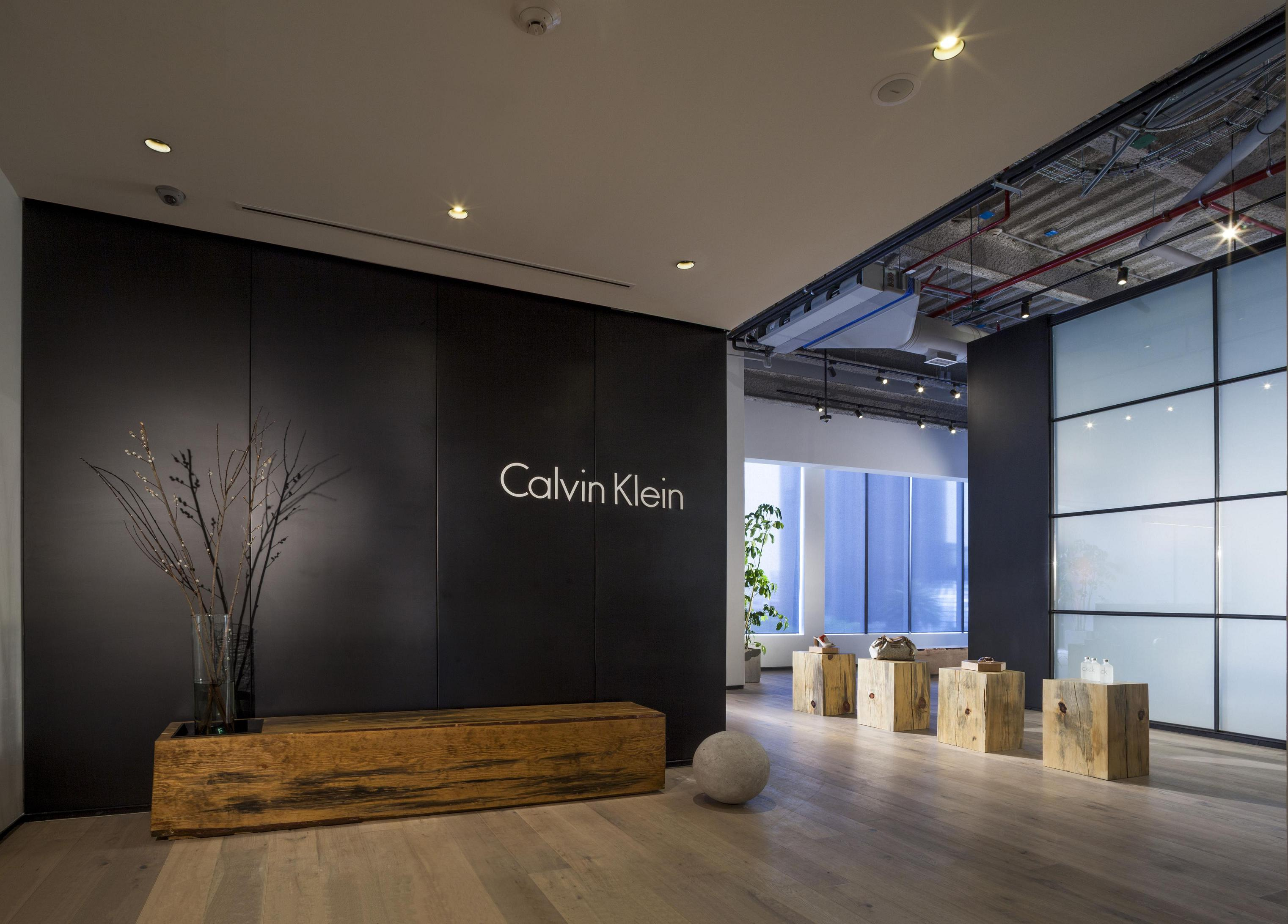 Calvin Klein Showroom By Juan Carlos Baumgartner Archiscene Your Daily Architecture Amp Design