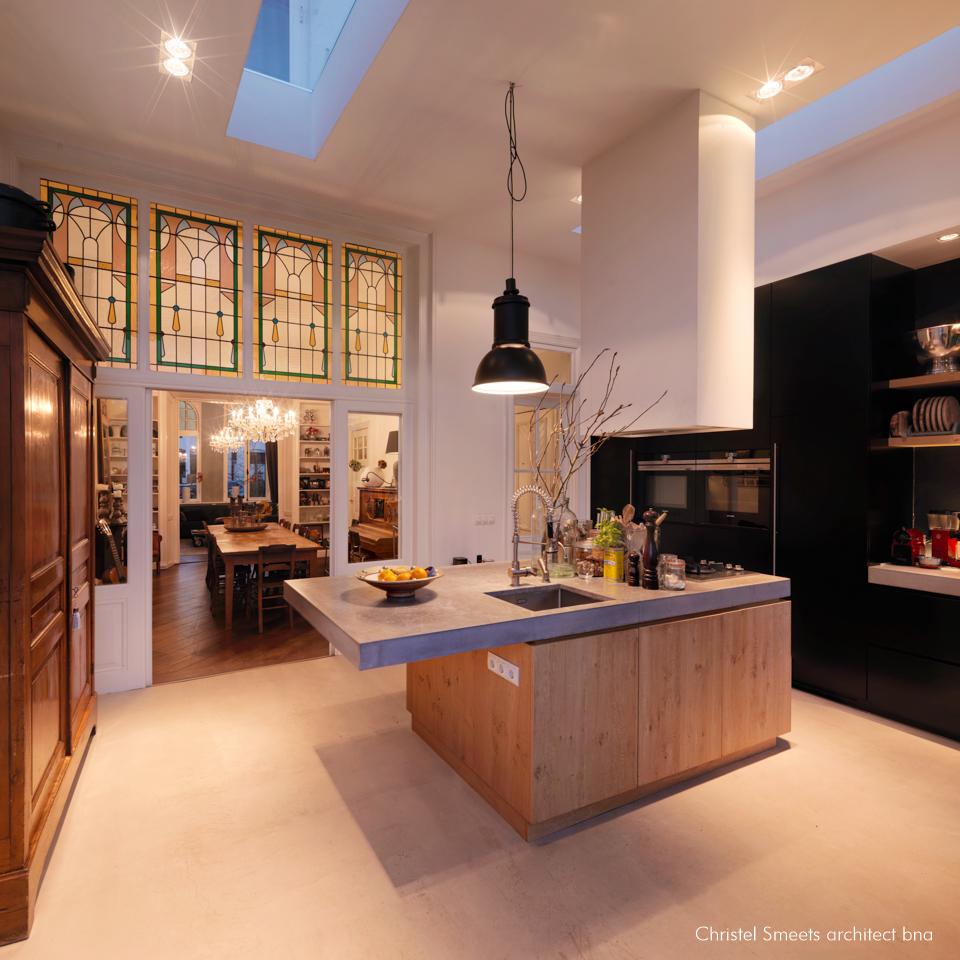Samenvoegen keuken en achterkamer herenhuis Breda
