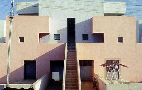 B.V. Doshi, Life Insurance Corporation Housing, Ahmedabad, India, 1973