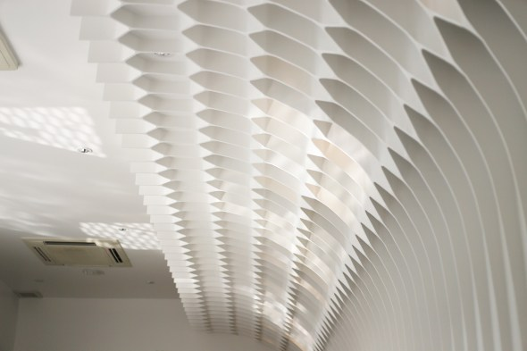 Architectkidd_ABC Eatery_restaurant_ceiling_honeycomb