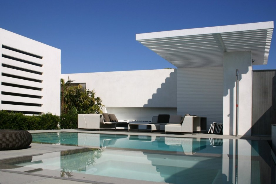 Luxury Contemporary Brick Fireplace