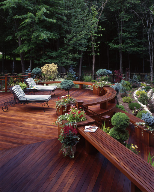 24 Amazingly Elegant Wooden Deck Designs