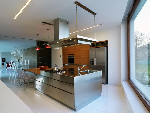 18 Beautiful Stainless Steel Kitchen Design Ideas