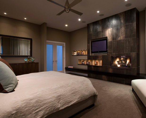 14 Gorgeous Master Bedroom Designs With Beautiful Fireplace
