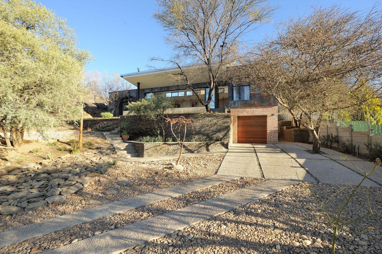 10 Ossmann Street Residence By Wasserfall Munting Architects