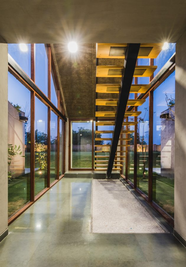 Outhouse By MISA Architects In Vansajada India