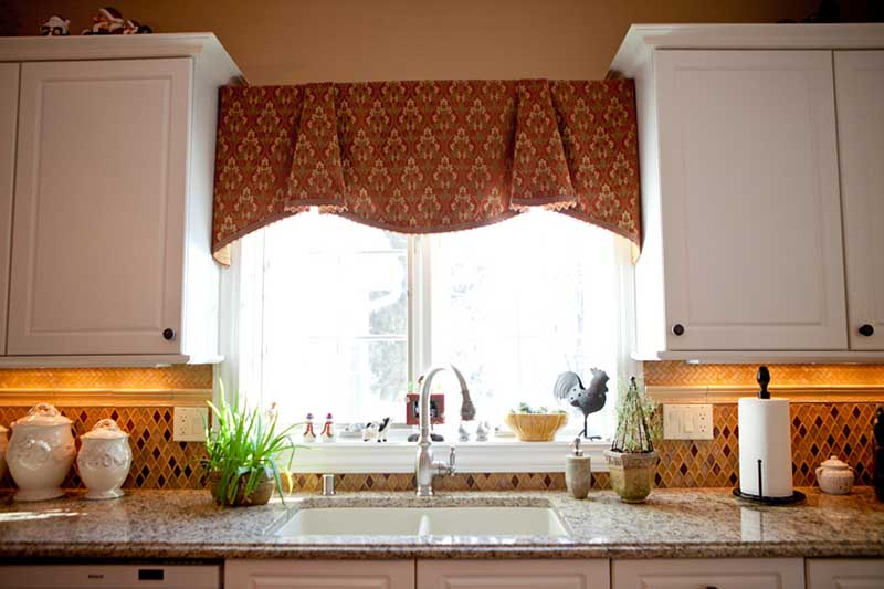 how to choose properly kitchen curtains