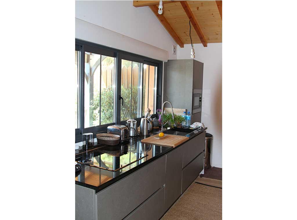 reportage-architecturebois-maison-dossier-kit-habitat-wood-house-bois-fenetre-rt2012-batibois10