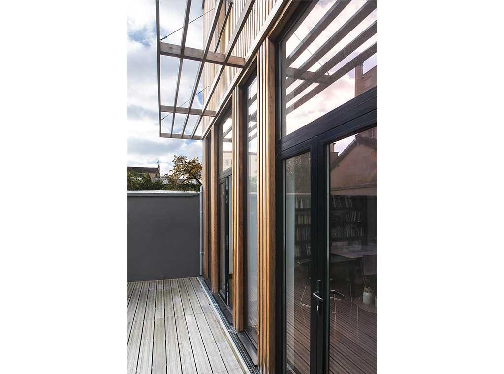 reportage-architecturebois-maison-dossier-kit-habitat-wood-house-bois-fenetre-rt2012-montreuil7