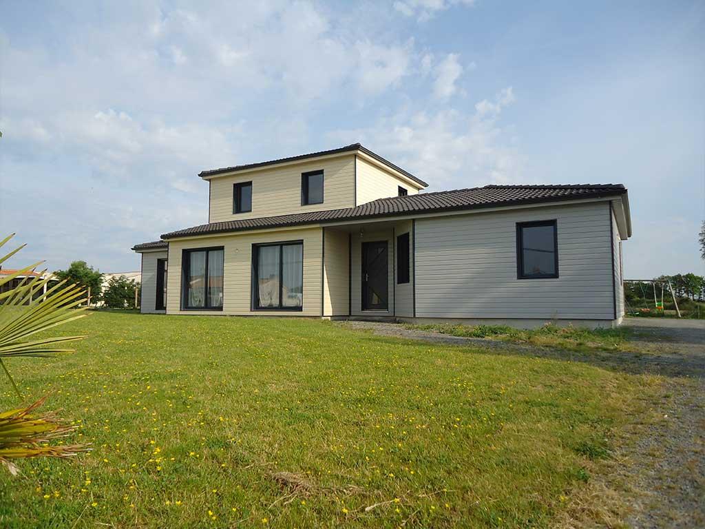 reportage-architecturebois-maison-dossier-kit-habitat-wood-house-bois-fenetre-rt2012-projetbois2