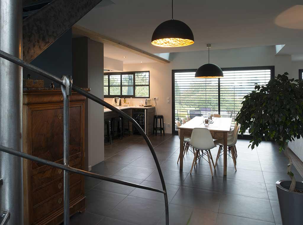 reportage-architecturebois-maison-dossier-kit-habitat-wood-house-bois-fenetre-rt2012-scmc1