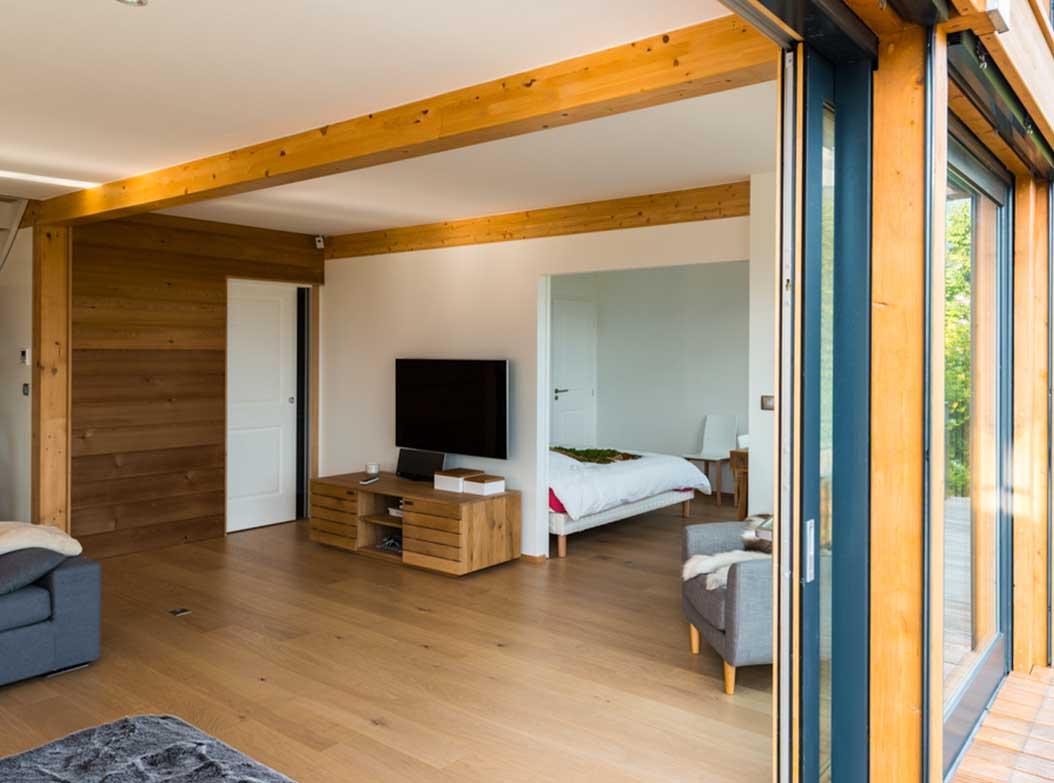 6reportage-architecturebois-maison-dossier-kit-habitat-wood-house-bois-fenetre-rt2012-visionbois6