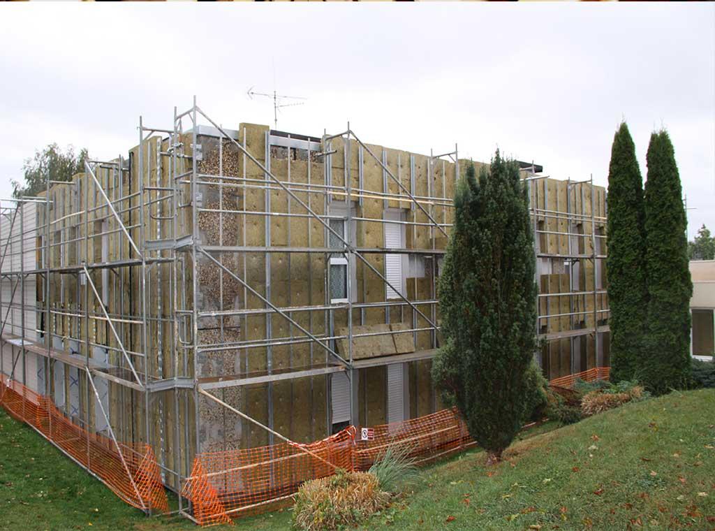 reportage-architecturebois-maison-dossier-kit-habitat-wood-house-bois-fenetre-rt2012-rockwool-3