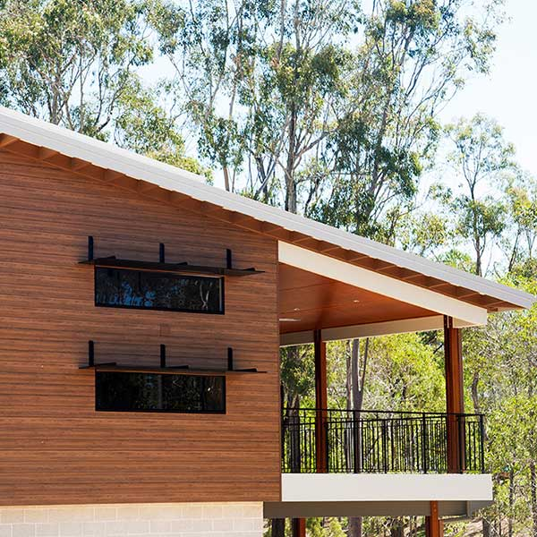 maison bois dans la fôret