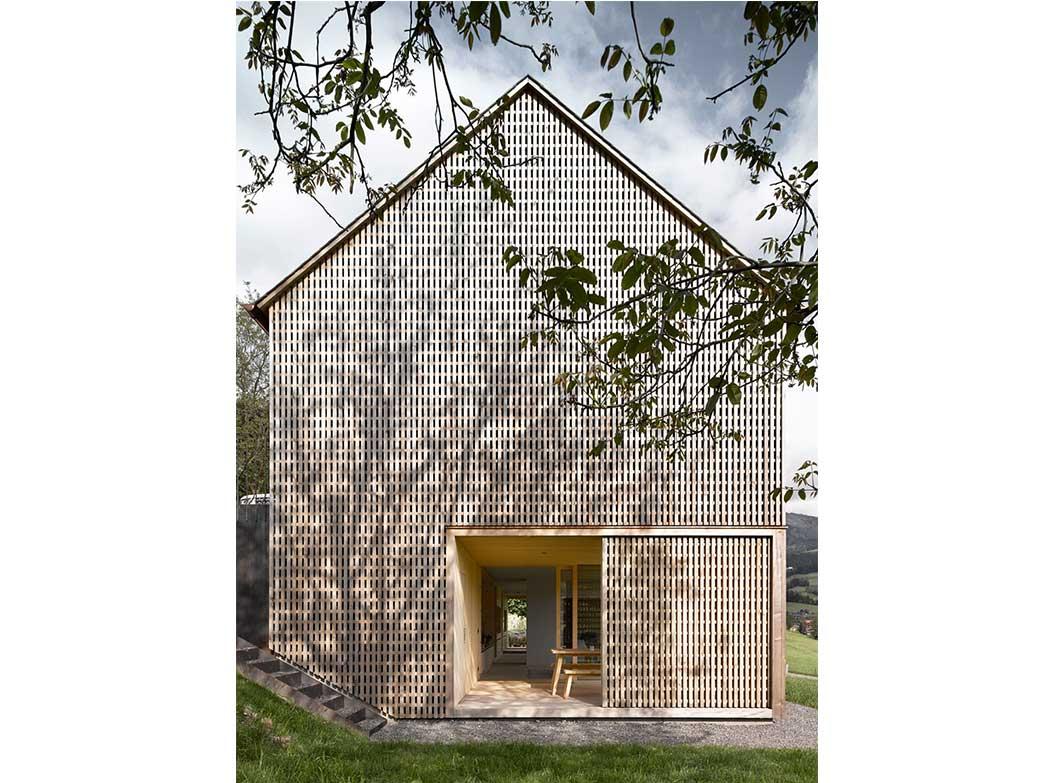 reportage-architecturebois-locale-maison-dossier-kit-habitat-wood-house-bois-fenetre-rt2012-autriche-9