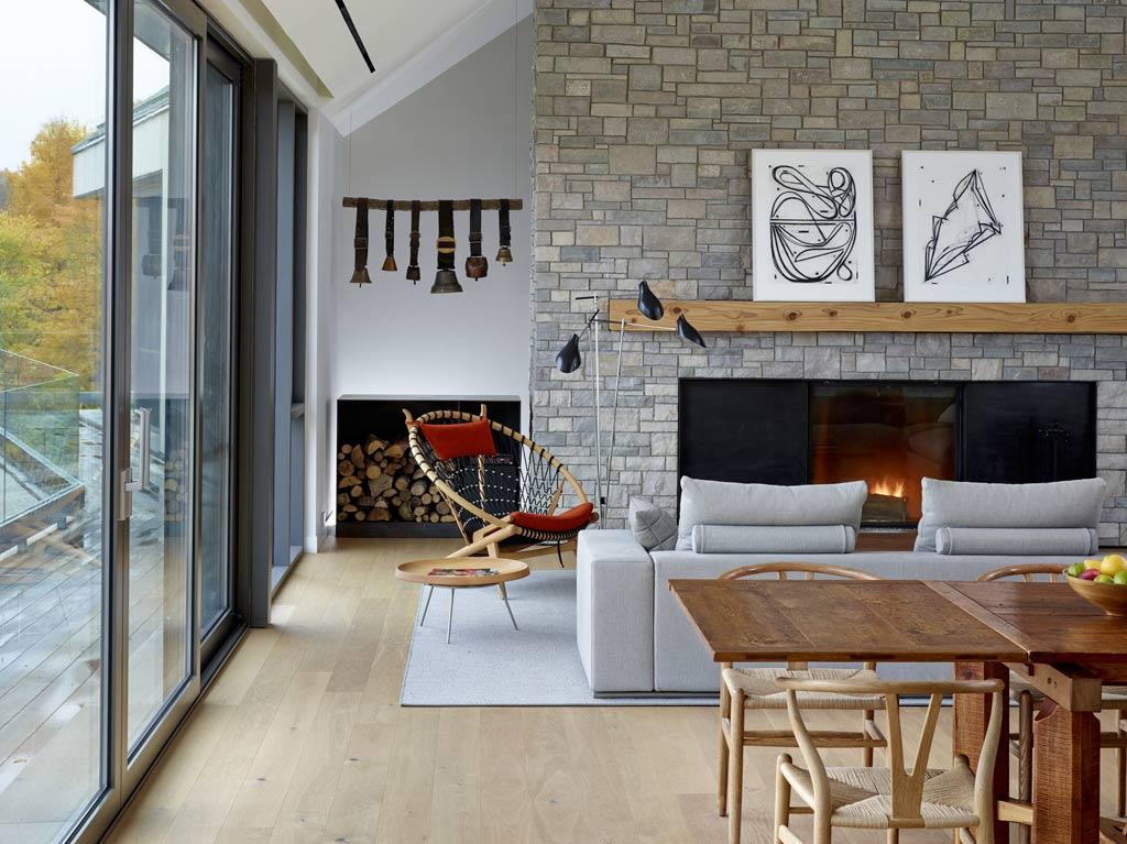 architecture-bois-reportage-canada-ontario-hilltop-house-11