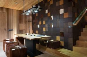 aménagement intérieur d'un grand chalet de luxe en bois en Ukraine