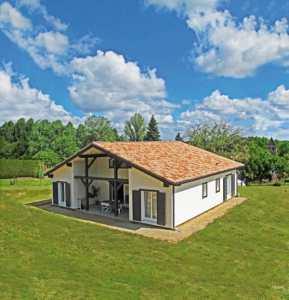 maison bois dans la nature