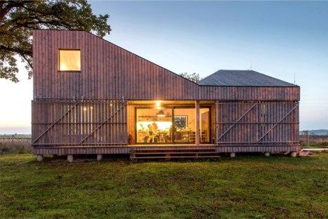maison bois moderne à la campagne