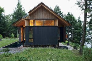 maison bois familial au millieu de la nature