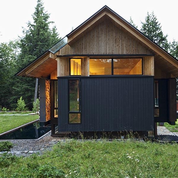 maison bois neuve au Québec