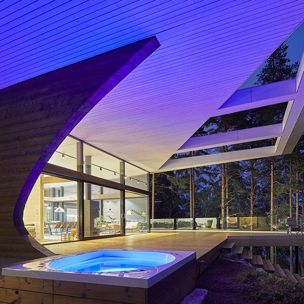 maison en bois massif avec whirlpool