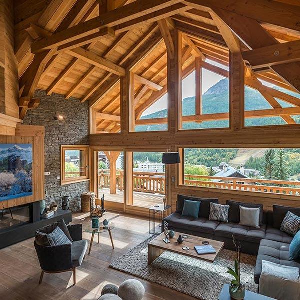 séjour confortable d'un chalet en bois familial dans la vallée de Serre Chevalier