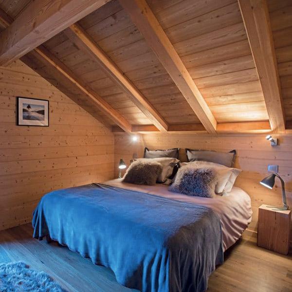 chambre des parents en bois tranquille avec parquet