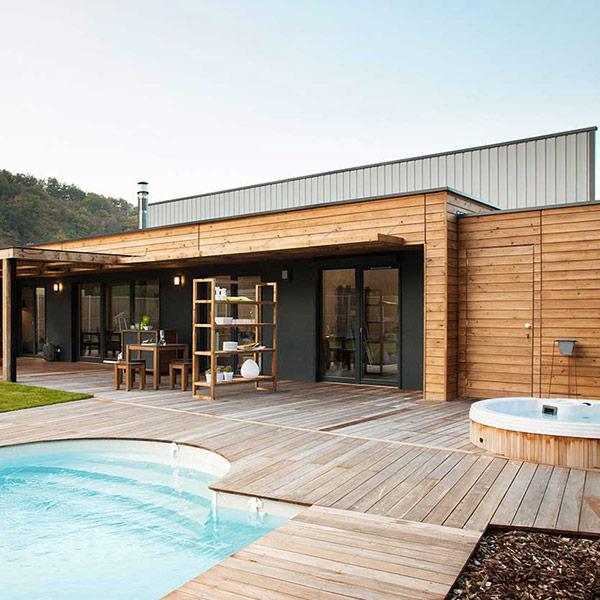 Maison en ossature bois avec piscine