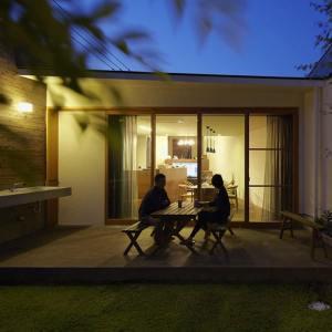 terrasse en bois d'une maison bois familial